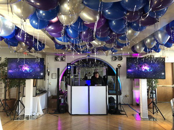 Expressway Music DJ Dave Set up with tv screens, balloons and more
